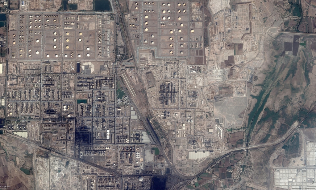 Refinery Plot - Google Earth View